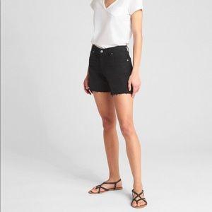 NWT Gap mid rise black wash cut off jeans size 25